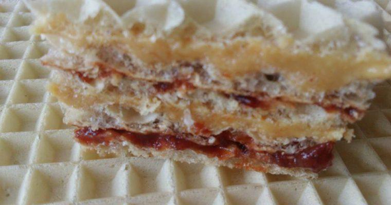 Wafelki z masłem orzechowym